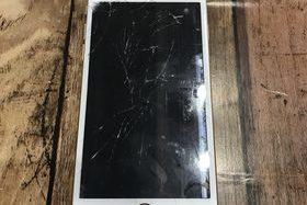 液晶パネル破損も修理可能です!【iPhone修理工房宮崎店】の施工前画像