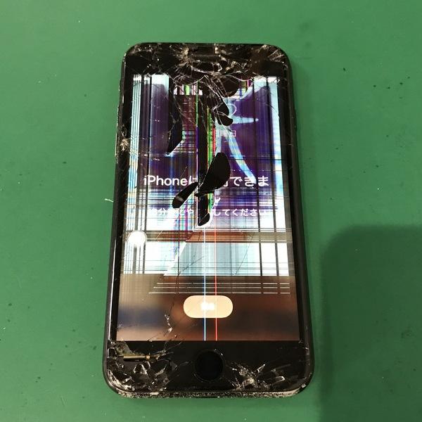 iPhone7:液晶パネル交換修理|操作不可データ復旧使用できるのか!?